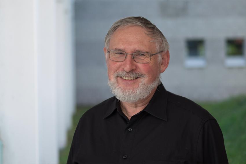 Dr. Ingo Dahn